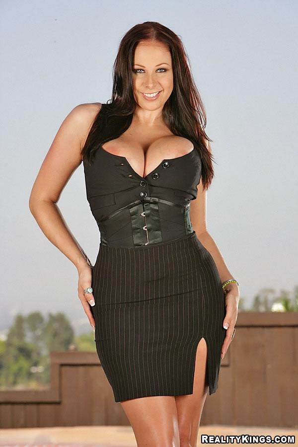 Naked - Gianna (live cam girls, big asses, hot babes, soft